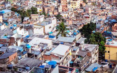 Igrejas em favelas